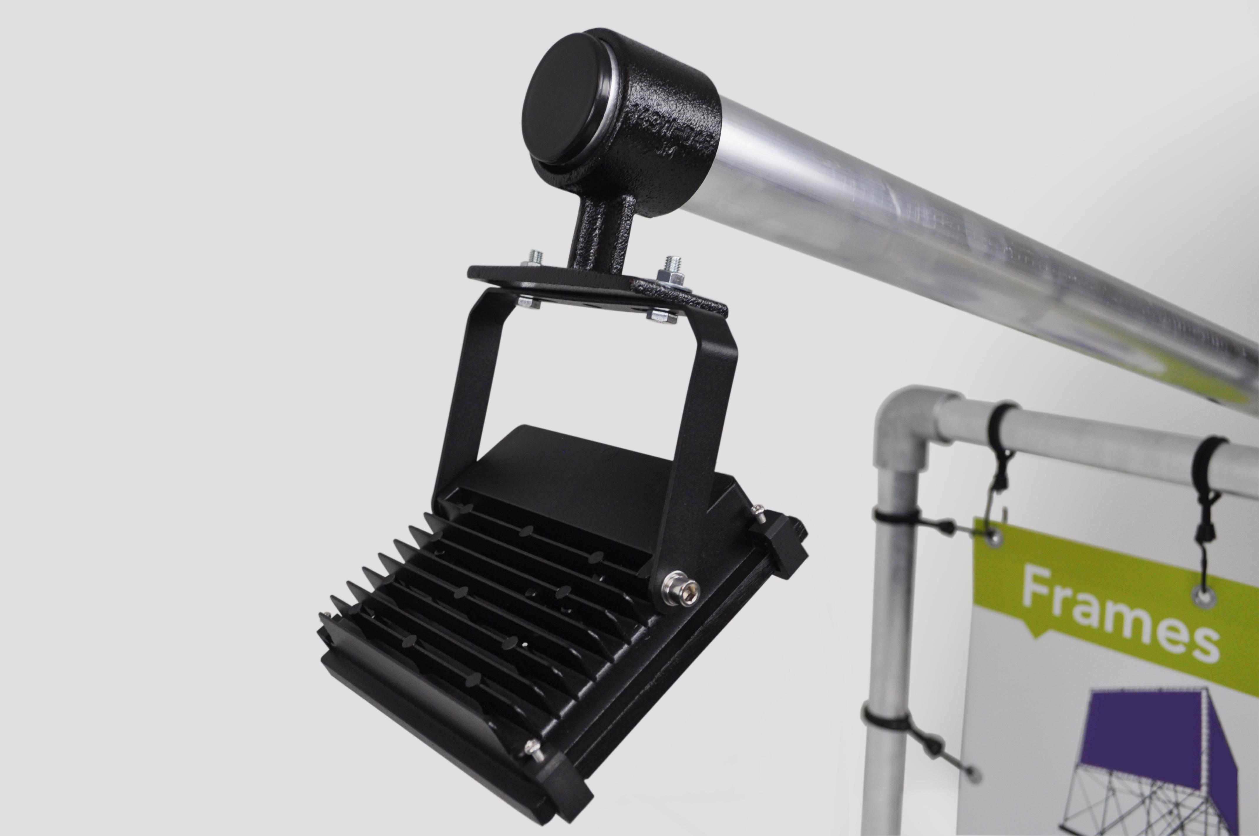 Ledspot 20 watt incl. steun voor aan buizenframe 42,4mm   spandoekman.nl